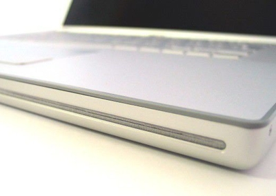 Apple MacBook Pro Core 2 Duo 2.4 GHz / 4 GB / 120 GB / DVD-RW / 15,4'' / OsX